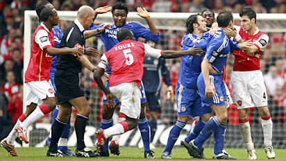arsenal chelsea brawl carling cup